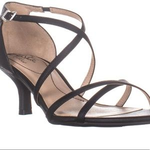 Life Stride Flaunt Womens Black Strappy Sandals